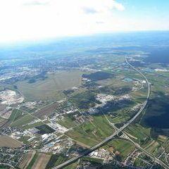Flugwegposition um 08:11:11: Aufgenommen in der Nähe von Gemeinde Matzendorf-Hölles, Österreich in 1867 Meter