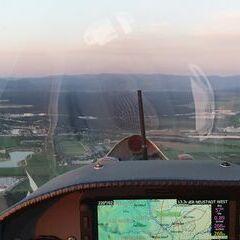 Flugwegposition um 03:25:27: Aufgenommen in der Nähe von Wiener Neustadt, Österreich in 647 Meter