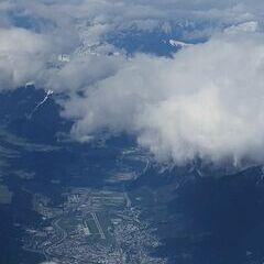 Flugwegposition um 08:23:48: Aufgenommen in der Nähe von Gemeinde Wattens, Wattens, Österreich in 5337 Meter