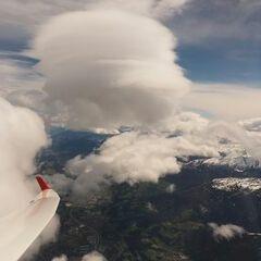 Flugwegposition um 09:21:13: Aufgenommen in der Nähe von Gemeinde Ampass, Ampass, Österreich in 4925 Meter