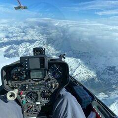 Flugwegposition um 14:38:10: Aufgenommen in der Nähe von Gemeinde Kaprun, Kaprun, Österreich in 5899 Meter