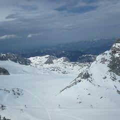 Verortung via Georeferenzierung der Kamera: Aufgenommen in der Nähe von Gemeinde Obertraun, Obertraun, Österreich in 2966 Meter