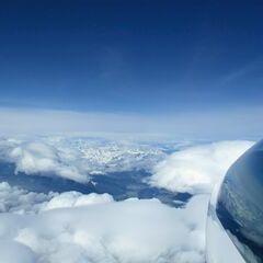 Flugwegposition um 07:42:34: Aufgenommen in der Nähe von Gemeinde Fritzens, Fritzens, Österreich in 5781 Meter