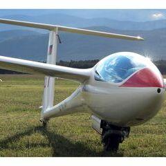 Flugwegposition um 16:28:23: Aufgenommen in der Nähe von Wiener Neustadt, Österreich in 307 Meter