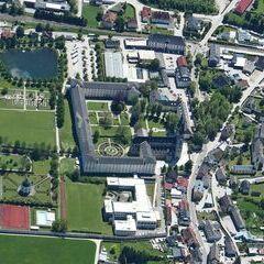 Flugwegposition um 11:35:25: Aufgenommen in der Nähe von Hall, 8911 Hall, Österreich in 2554 Meter