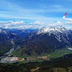 Flugwegposition um 13:22:56: Aufgenommen in der Nähe von Gemeinde Fieberbrunn, 6391 Fieberbrunn, Österreich in 2345 Meter
