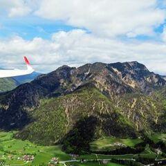 Flugwegposition um 11:06:01: Aufgenommen in der Nähe von Gemeinde Kirchdorf in Tirol, Österreich in 1148 Meter