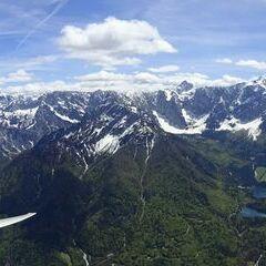 Flugwegposition um 12:08:57: Aufgenommen in der Nähe von 33018 Tarvis, Udine, Italien in 2214 Meter