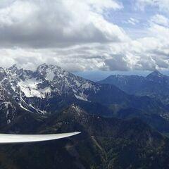 Flugwegposition um 13:27:40: Aufgenommen in der Nähe von Tržič, Slowenien in 2259 Meter