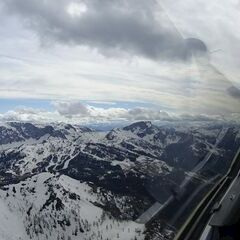 Flugwegposition um 14:57:24: Aufgenommen in der Nähe von Gemeinde Hermagor-Pressegger See, Österreich in 2332 Meter
