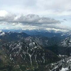 Flugwegposition um 15:07:46: Aufgenommen in der Nähe von Gemeinde Hermagor-Pressegger See, Österreich in 2222 Meter