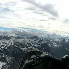 Flugwegposition um 15:07:34: Aufgenommen in der Nähe von Gemeinde Hermagor-Pressegger See, Österreich in 2214 Meter