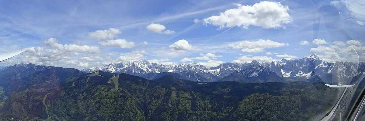 Flugwegposition um 12:00:34: Aufgenommen in der Nähe von 33018 Tarvis, Udine, Italien in 2130 Meter