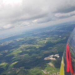 Verortung via Georeferenzierung der Kamera: Aufgenommen in der Nähe von Gemeinde Esternberg, Österreich in 1400 Meter