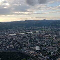 Verortung via Georeferenzierung der Kamera: Aufgenommen in der Nähe von Linz, Österreich in 800 Meter