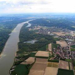 Flugwegposition um 10:14:51: Aufgenommen in der Nähe von Gemeinde Muckendorf-Wipfing, Österreich in 1246 Meter