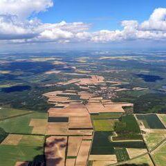 Flugwegposition um 11:53:42: Aufgenommen in der Nähe von Okres Znojmo, Tschechien in 1584 Meter