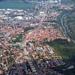 Flugwegposition um 12:00:33: Aufgenommen in der Nähe von Okres Znojmo, Tschechien in 1793 Meter