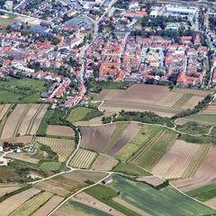 Flugwegposition um 12:14:16: Aufgenommen in der Nähe von Gemeinde Schrattenthal, Österreich in 1527 Meter
