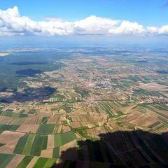 Flugwegposition um 12:16:47: Aufgenommen in der Nähe von Gemeinde Schrattenthal, Österreich in 1720 Meter