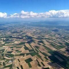 Flugwegposition um 12:33:23: Aufgenommen in der Nähe von Gemeinde Stetteldorf am Wagram, Österreich in 1742 Meter