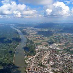 Flugwegposition um 12:39:24: Aufgenommen in der Nähe von Tulln an der Donau, Österreich in 1443 Meter