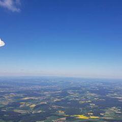 Verortung via Georeferenzierung der Kamera: Aufgenommen in der Nähe von Neustadt a.d.Waldnaab, Deutschland in 2100 Meter
