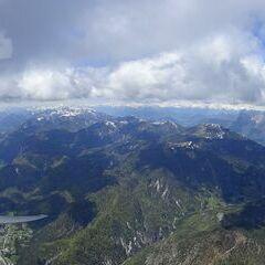 Flugwegposition um 11:18:57: Aufgenommen in der Nähe von 33010 Malborghetto Valbruna, Udine, Italien in 2448 Meter