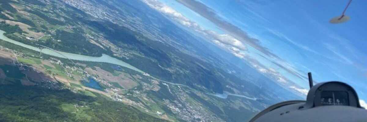 Flugwegposition um 13:06:04: Aufgenommen in der Nähe von Ferlach, Österreich in 2244 Meter