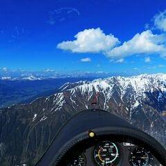 Flugwegposition um 15:24:58: Aufgenommen in der Nähe von Gemeinde Neukirchen am Großvenediger, Österreich in 2746 Meter
