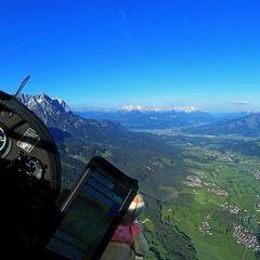 Flugwegposition um 16:49:41: Aufgenommen in der Nähe von Gemeinde Ellmau, Ellmau, Österreich in 1714 Meter
