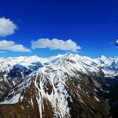 Flugwegposition um 15:24:57: Aufgenommen in der Nähe von Gemeinde Neukirchen am Großvenediger, Österreich in 2746 Meter