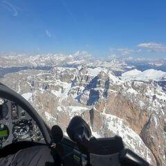Flugwegposition um 14:57:01: Aufgenommen in der Nähe von 39040 Villnöß, Südtirol, Italien in 2985 Meter