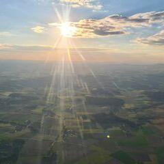 Flugwegposition um 18:00:41: Aufgenommen in der Nähe von Gemeinde Waizenkirchen, Waizenkirchen, Österreich in 1191 Meter