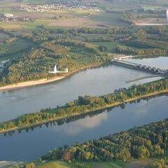 Verortung via Georeferenzierung der Kamera: Aufgenommen in der Nähe von Gemeinde Ottensheim, 4100, Österreich in 800 Meter