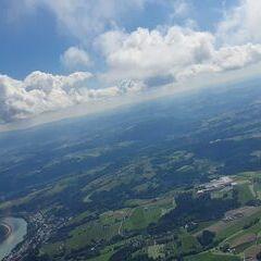 Flugwegposition um 07:57:47: Aufgenommen in der Nähe von Kreisfreie Stadt Passau, Deutschland in 1458 Meter