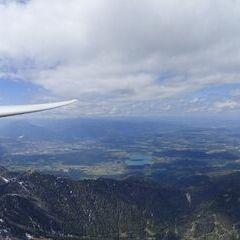 Flugwegposition um 14:09:37: Aufgenommen in der Nähe von Jesenice, Slowenien in 2532 Meter