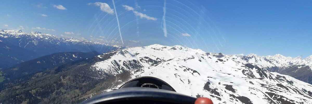 Flugwegposition um 10:29:09: Aufgenommen in der Nähe von Gemeinde Sillian, 9920, Österreich in 2353 Meter