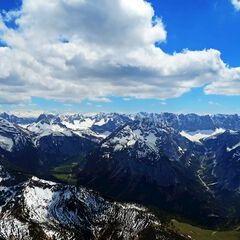 Flugwegposition um 12:10:18: Aufgenommen in der Nähe von Gemeinde Eben am Achensee, Österreich in 2551 Meter