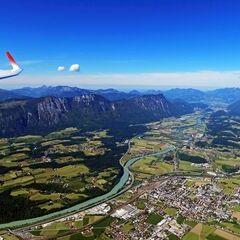 Flugwegposition um 13:38:17: Aufgenommen in der Nähe von Gemeinde Kundl, Österreich in 2084 Meter