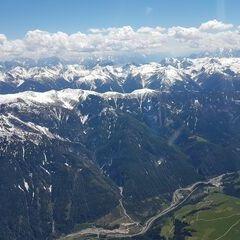 Flugwegposition um 12:23:48: Aufgenommen in der Nähe von Gemeinde Assling, Österreich in 3277 Meter