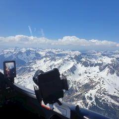 Flugwegposition um 13:53:15: Aufgenommen in der Nähe von Gemeinde St. Anton am Arlberg, 6580 St. Anton am Arlberg, Österreich in 3301 Meter