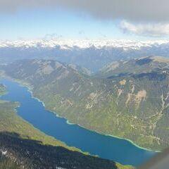 Flugwegposition um 08:46:46: Aufgenommen in der Nähe von Gemeinde Weißensee, Österreich in 2359 Meter