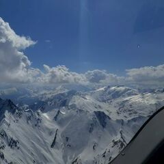 Verortung via Georeferenzierung der Kamera: Aufgenommen in der Nähe von Bezirk Surselva, Schweiz in 3400 Meter
