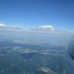 Flugwegposition um 13:24:06: Aufgenommen in der Nähe von Gemeinde Maria Laach am Jauerling, Österreich in 2184 Meter