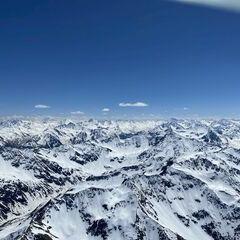 Flugwegposition um 12:22:24: Aufgenommen in der Nähe von Gemeinde St. Anton am Arlberg, 6580 St. Anton am Arlberg, Österreich in 3223 Meter