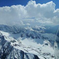 Verortung via Georeferenzierung der Kamera: Aufgenommen in der Nähe von Gemeinde Finkenberg, Österreich in 3300 Meter
