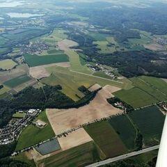 Verortung via Georeferenzierung der Kamera: Aufgenommen in der Nähe von Okres České Budějovice, Tschechien in 1700 Meter