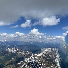 Flugwegposition um 12:43:05: Aufgenommen in der Nähe von Gemeinde Stuhlfelden, Stuhlfelden, Österreich in 2956 Meter