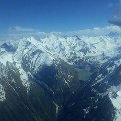 Flugwegposition um 14:33:51: Aufgenommen in der Nähe von Gemeinde Kaprun, Kaprun, Österreich in 3083 Meter